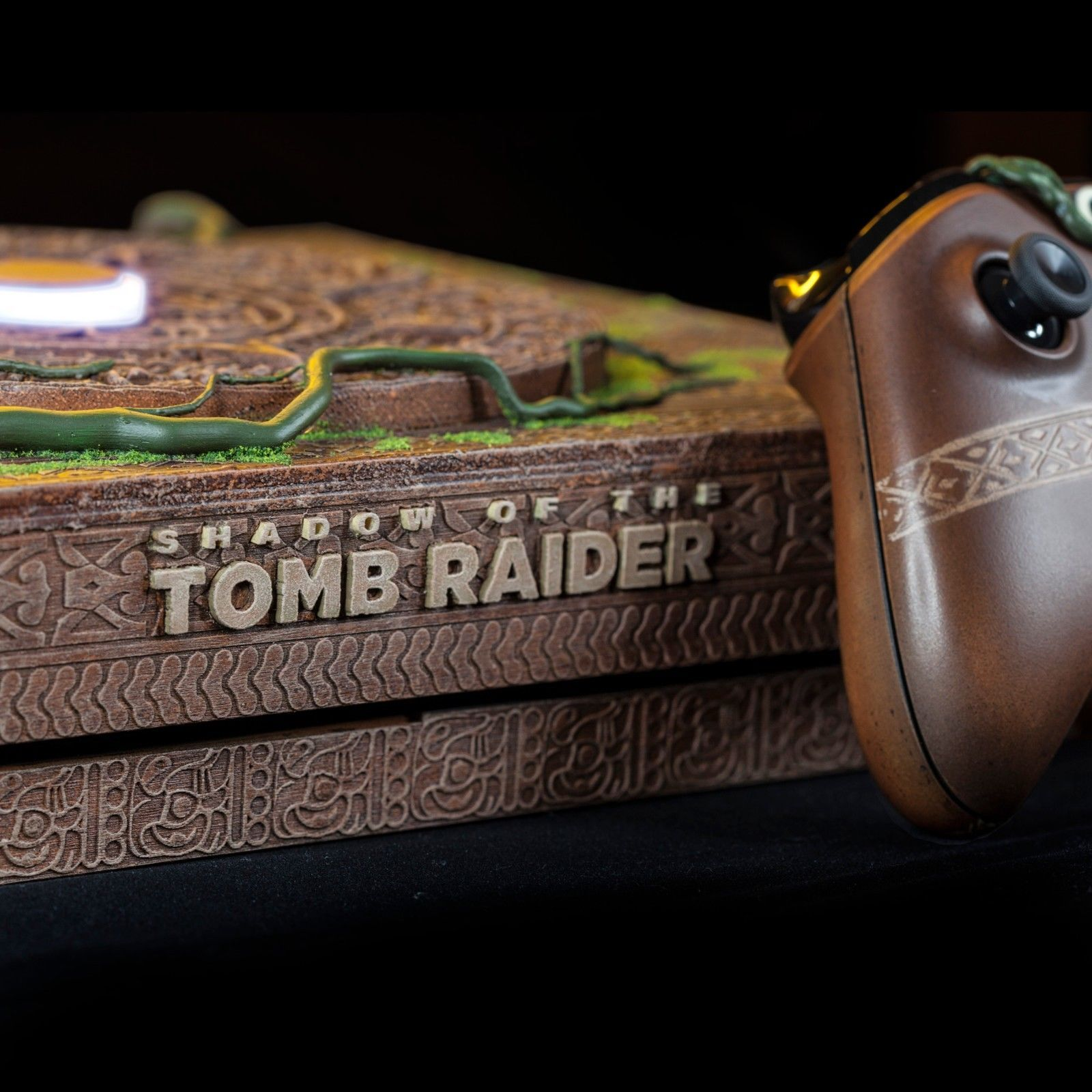 Shadow of the Tomb Raider : Une Xbox X ultra collector vendu pour 8300 $ #2